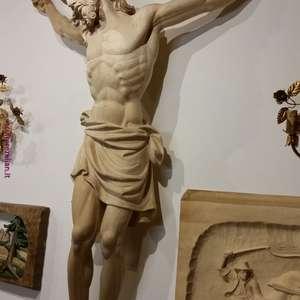 ARTE SACRA- Cristo crocifisso   -90 - 125-150cm  scultura in legno di tiglio o cirmolo  disponibile con croce a muro 3 metri